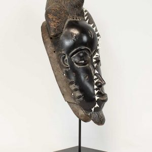 Sharktooth baule mask