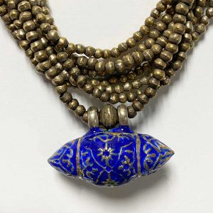 necklaceblueamuletsquareetailsquare