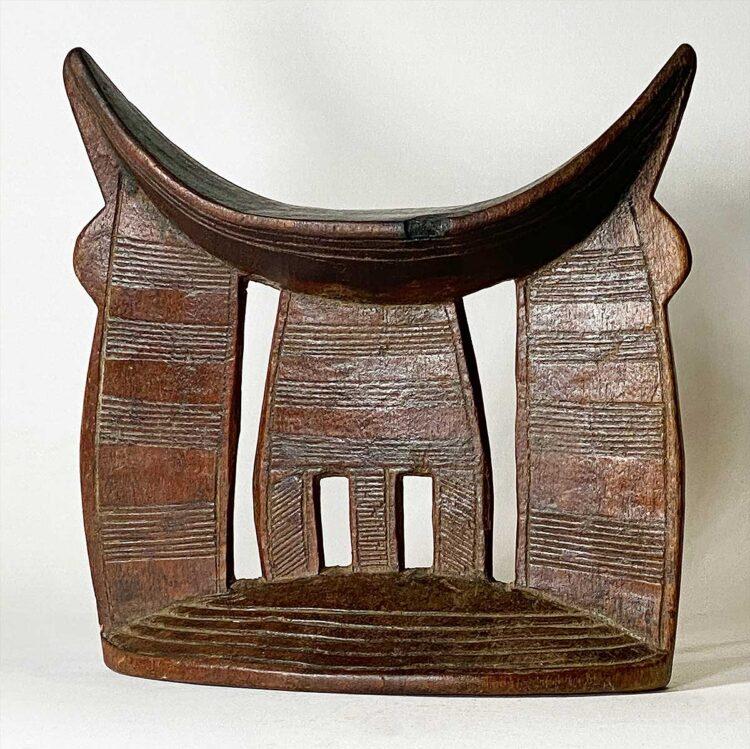 Headrest112r